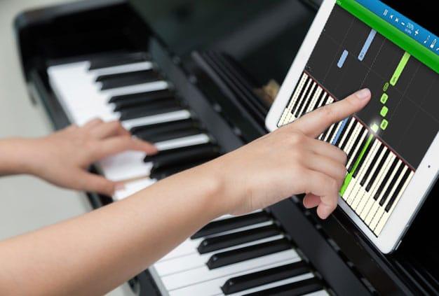 image vidéo synthesia piano